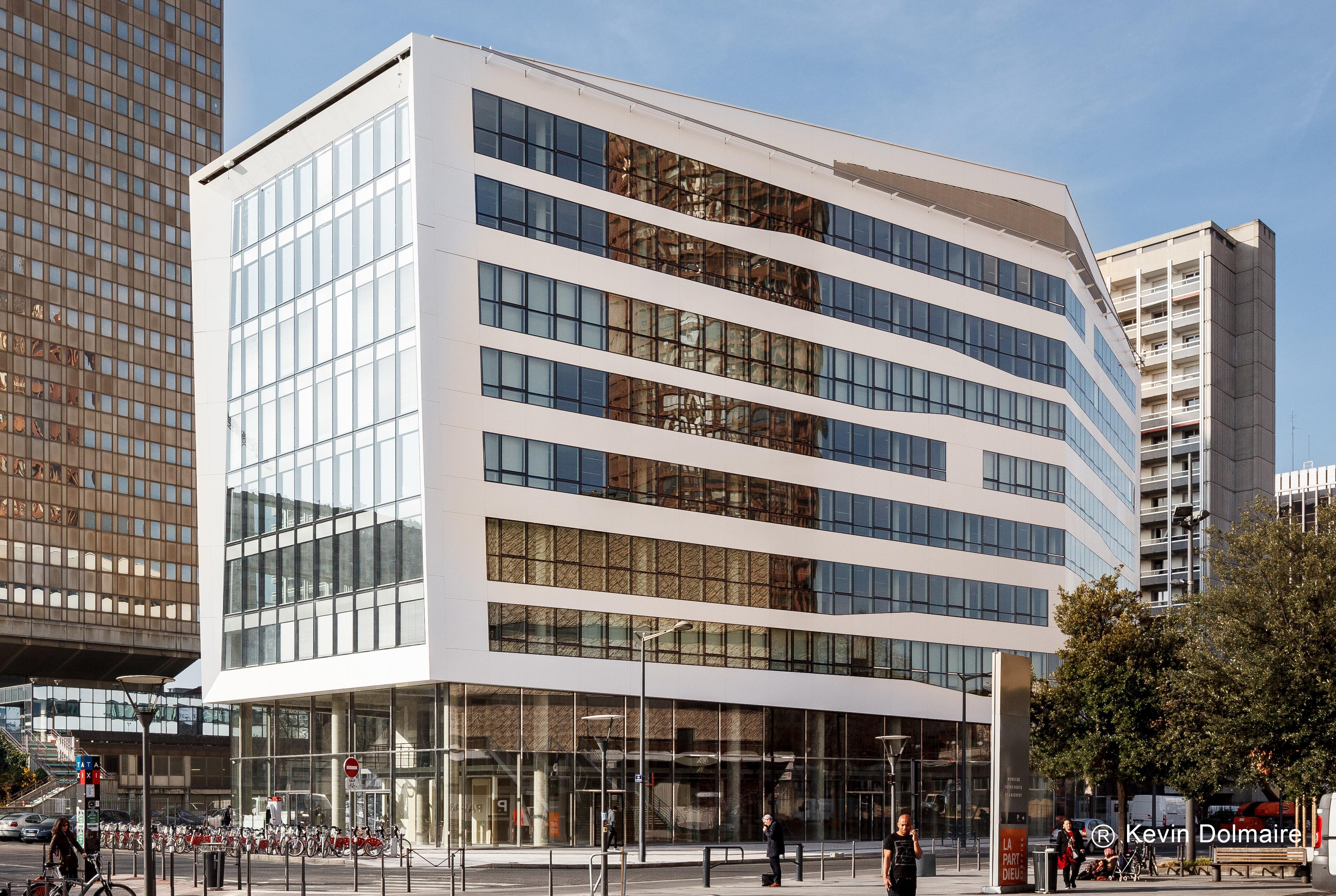 BNP Paribas Real Estate LYON Bureaux-Activité-Logistique - Image
