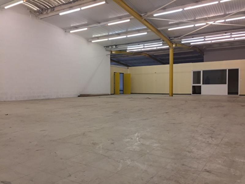 Local commercial Saint Andre Sur Orne 600 m2 - Photo 1