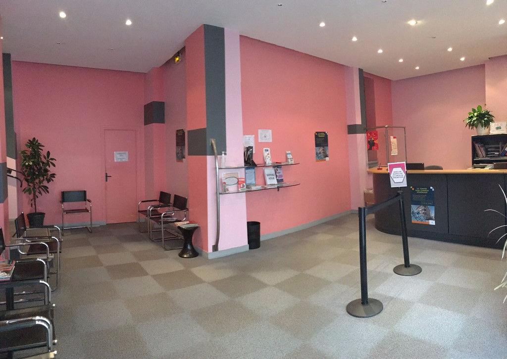Local commercial / bureaux Caen 100 m² - Photo 1