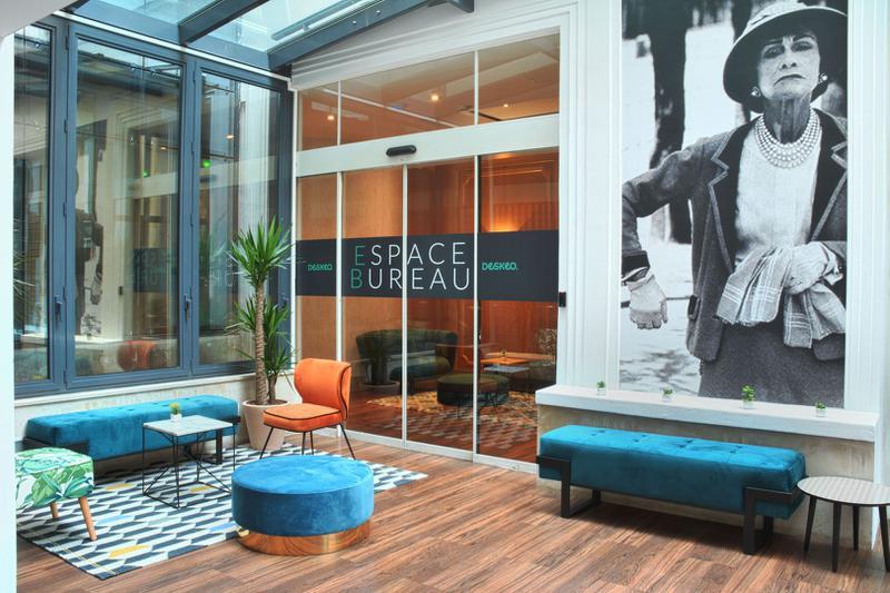location bureaux paris 8 75008 18m. Black Bedroom Furniture Sets. Home Design Ideas