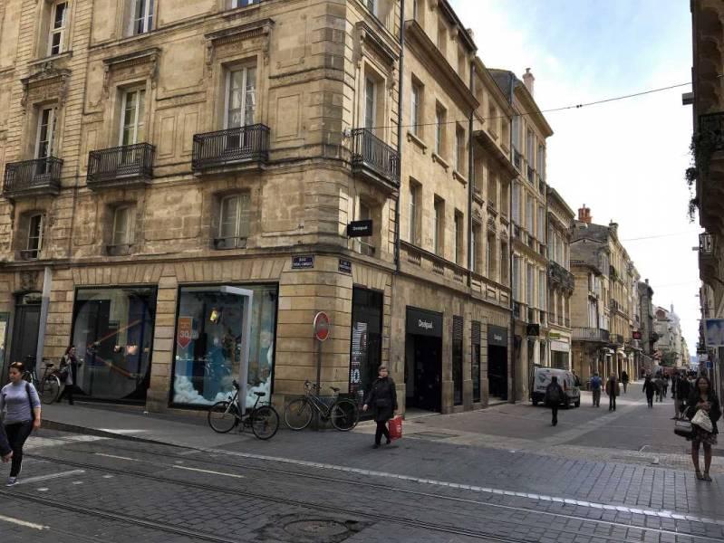Location locaux commerciaux bordeaux 33000 1076m2 for Location bordeaux 33000