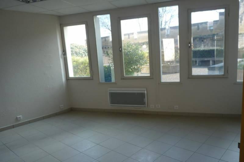 vente bureaux avignon 84000 140m2. Black Bedroom Furniture Sets. Home Design Ideas