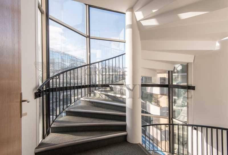 location bureaux boulogne billancourt 92100 38m2. Black Bedroom Furniture Sets. Home Design Ideas