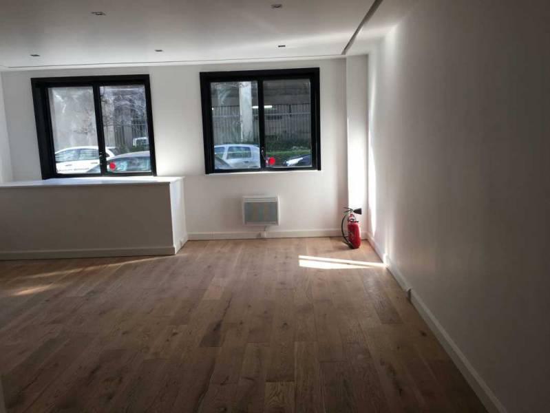 location bureaux boulogne billancourt 92100 50m2. Black Bedroom Furniture Sets. Home Design Ideas