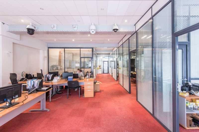 location vente bureaux locaux commerciaux suresnes 92150 158m2. Black Bedroom Furniture Sets. Home Design Ideas