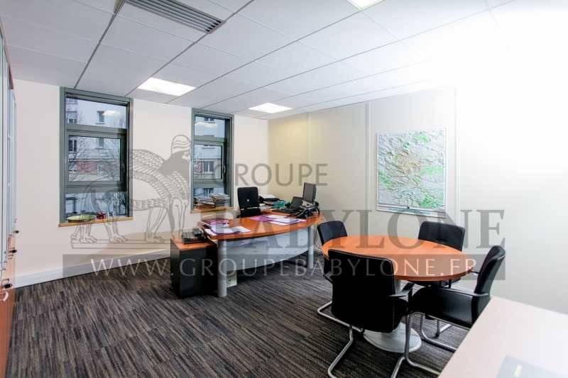 location bureaux rueil malmaison 92500 341m2. Black Bedroom Furniture Sets. Home Design Ideas