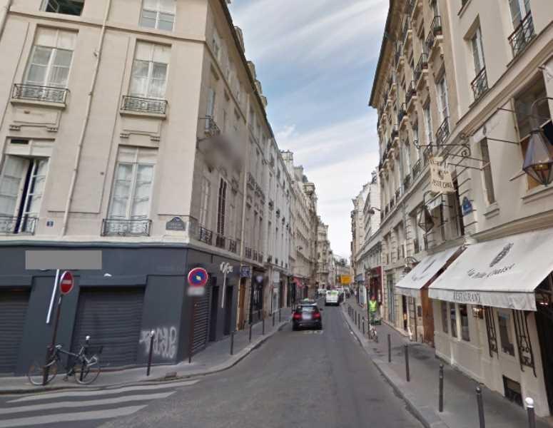 Location local commercial paris 7 me louer commerce for Locaux commerciaux atypiques paris