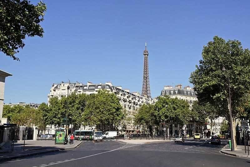 Location locaux commerciaux paris 75007 37m2 for Locaux commerciaux atypiques paris