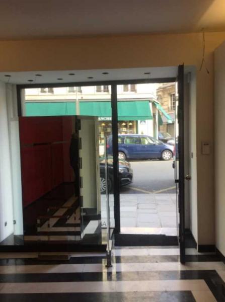 Locaux commerciaux PARIS 75008
