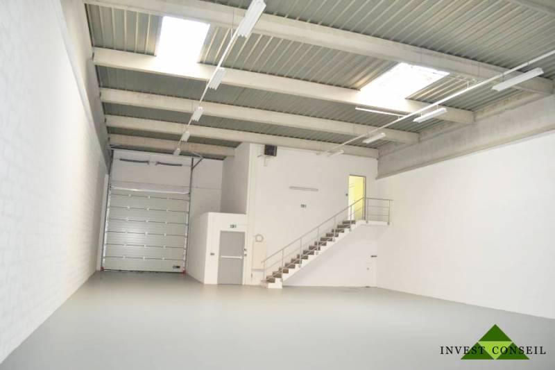 Locaux d'activités 336 m² SAINT OUEN L'AUMÔNE - Photo 1