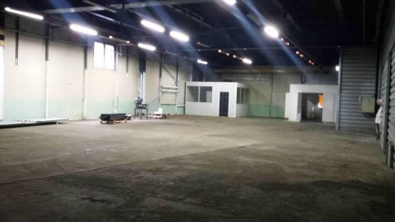 Local d'activités 420 m² BEAUCHAMP