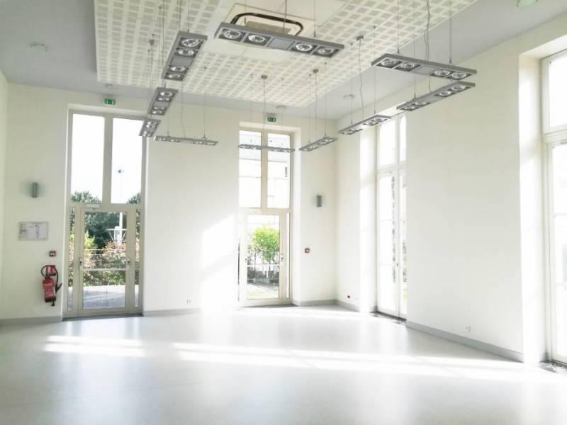 Bureaux 190 m² SAINT OUEN L'AUMONE - Photo 1