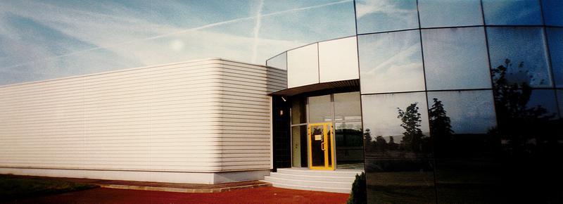 Bâtiment Indépendant 1300m² SAINT OUEN L'AUMÔNE - Photo 1