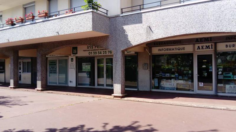 Local commercial 78 m² SAINT GRATIEN - Photo 1