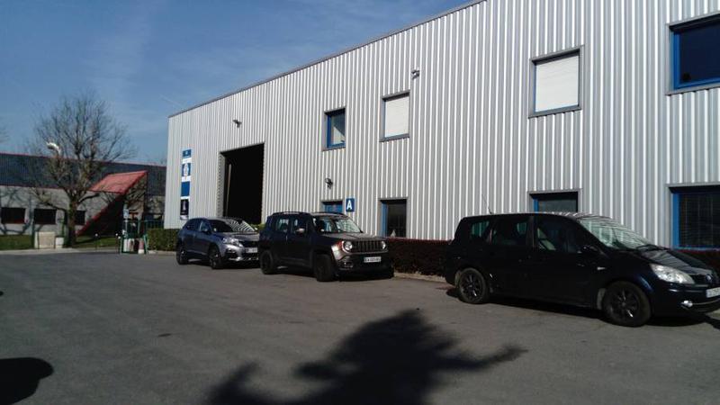 Local d'activités 415 m² ARGENTEUIL - Photo 1