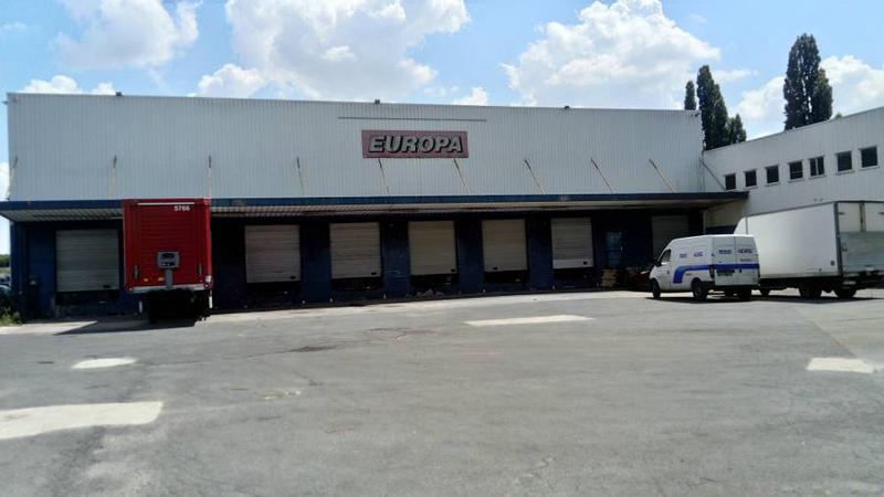 Entrepôt 2 350 m² LOUVRES - Photo 1