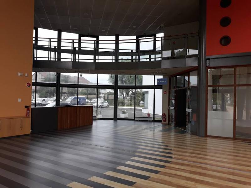 Bureaux 1000 m² BEZONS - Photo 1