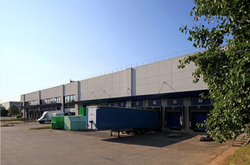 Entrepôt 6 690 m² ROISSY-EN-FRANCE - Photo 1