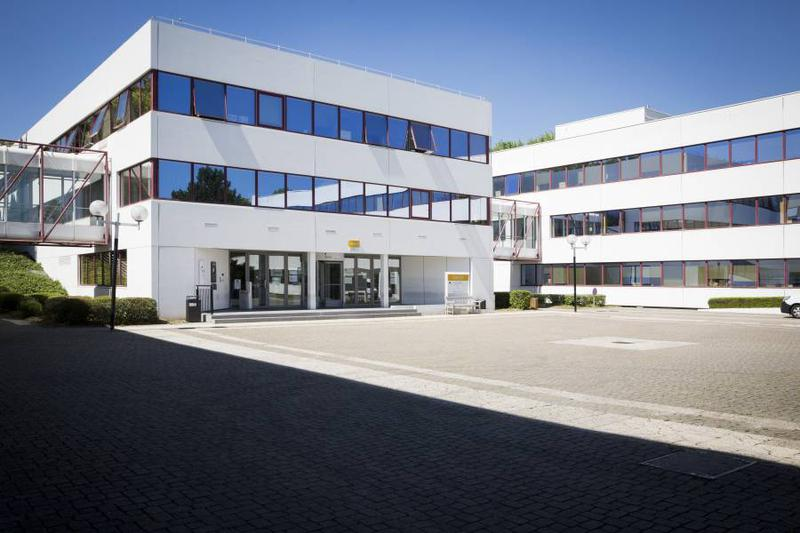 Bureaux 1000 m² CERGY - Photo 1