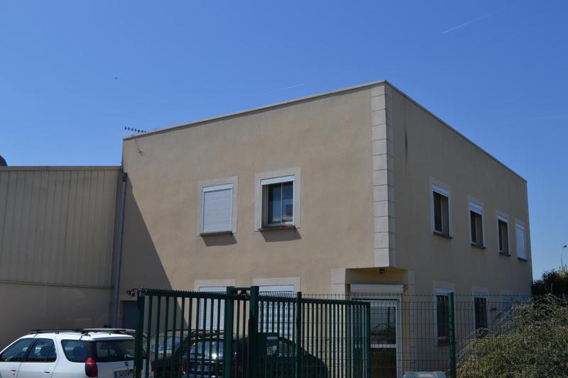Bâtiment indépendant 900 m² ENNERY - Photo 1