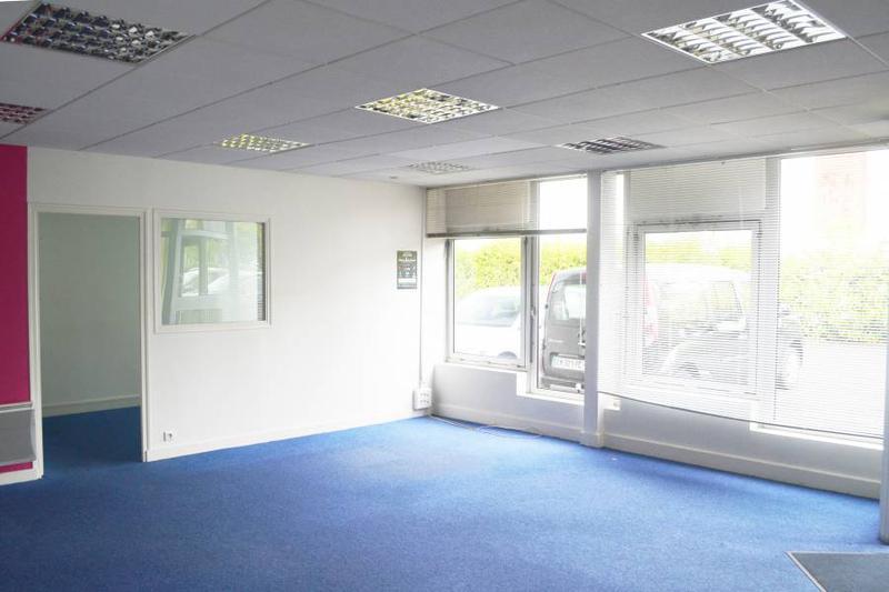 Bureaux 150 m² SAINT-OUEN L'AUMÔNE - Photo 1