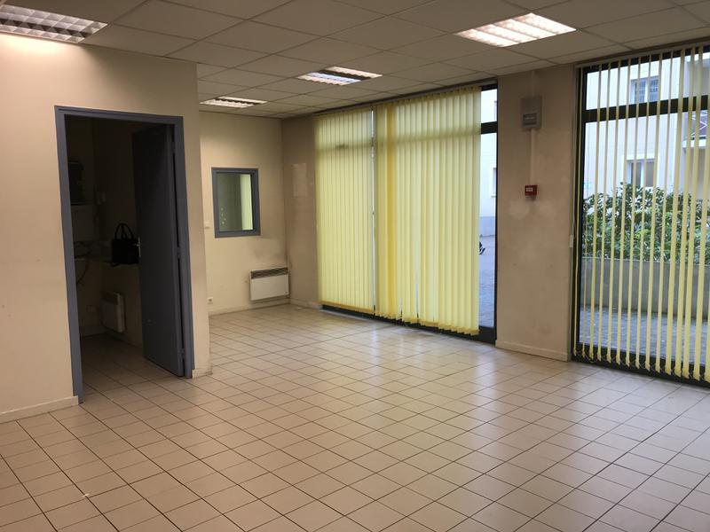 Bureaux 116 m² PONTOISE - Photo 1