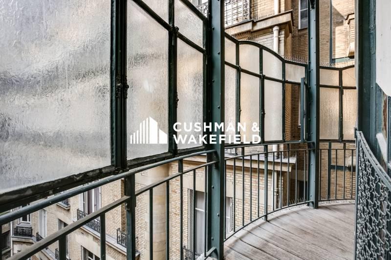 location bureaux paris 07 75007 380m2. Black Bedroom Furniture Sets. Home Design Ideas