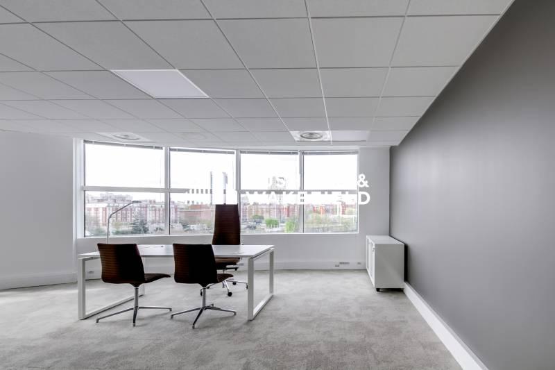 location bureaux paris 20 75020 389m2. Black Bedroom Furniture Sets. Home Design Ideas