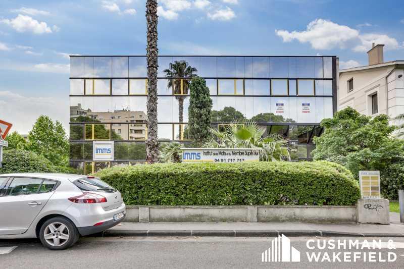 Location Bureaux Marseille 13008 - Photo 1