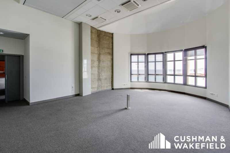 location bureaux marseille 13002 160m2. Black Bedroom Furniture Sets. Home Design Ideas