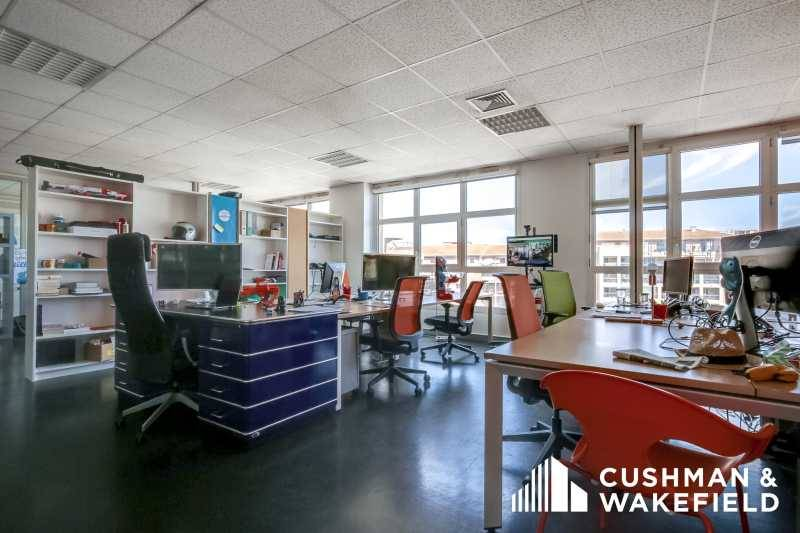 location bureaux marseille 13008 331m2 bureauxlocaux