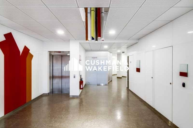 location bureaux lyon 69006 191m2. Black Bedroom Furniture Sets. Home Design Ideas