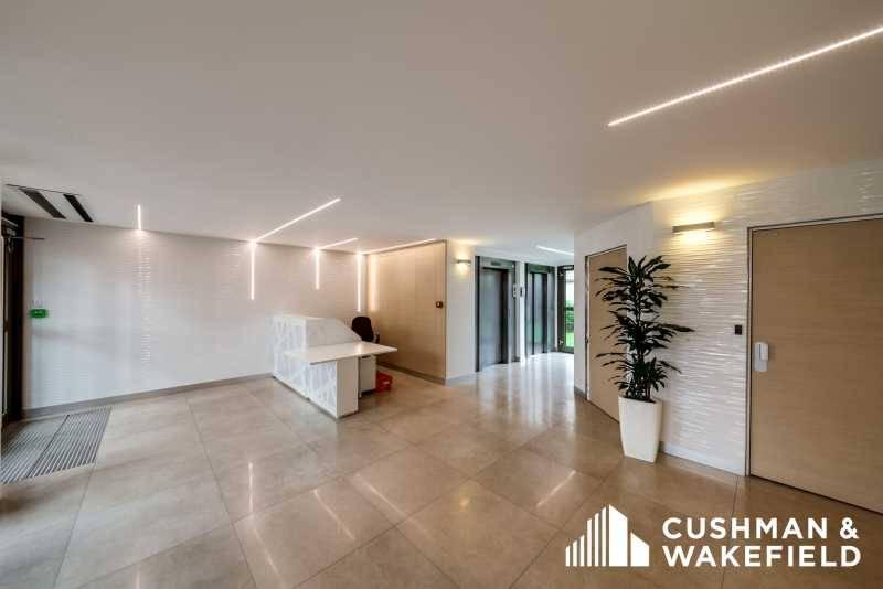location bureaux la garenne colombes 92250 44m2. Black Bedroom Furniture Sets. Home Design Ideas