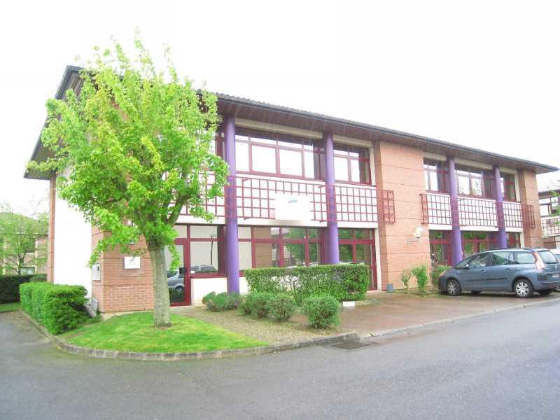 location bureaux voisins le bretonneux 78960 430m2. Black Bedroom Furniture Sets. Home Design Ideas