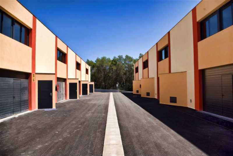 A LOUER, LOCAUX D'ACTIVITES 319 m² - Photo 1