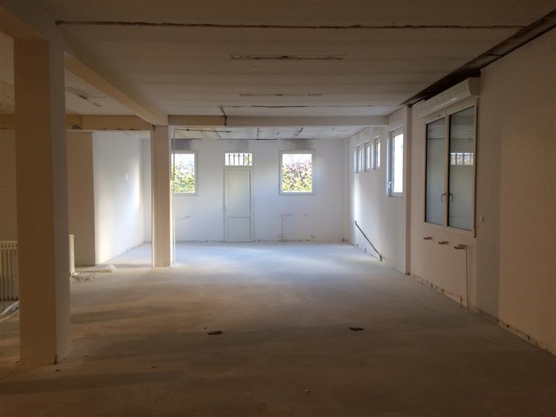 location bureaux bordeaux 33200 420m2. Black Bedroom Furniture Sets. Home Design Ideas