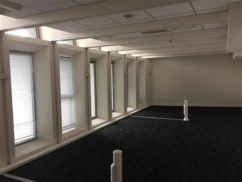 location bureaux bordeaux 33000 170m2. Black Bedroom Furniture Sets. Home Design Ideas