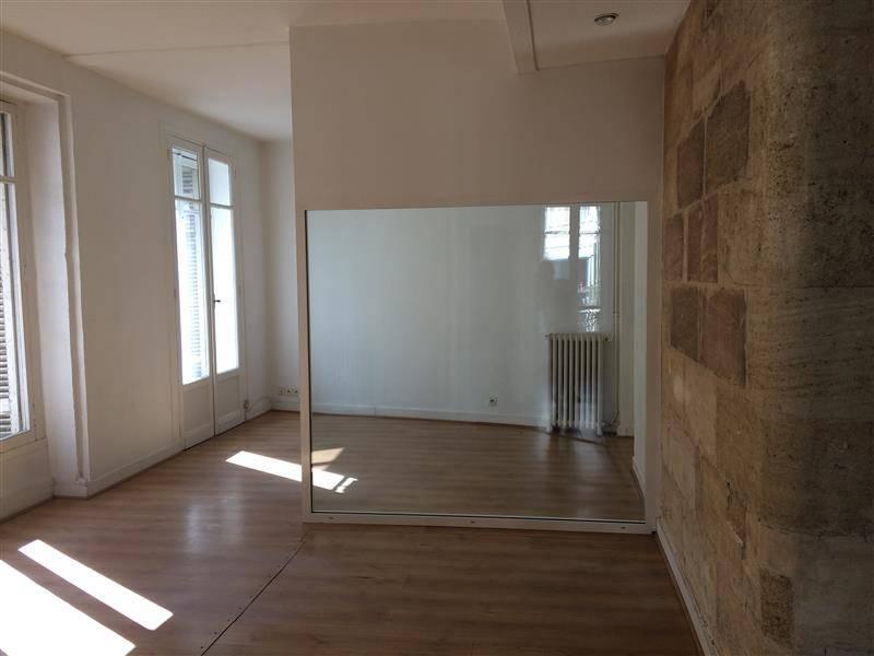 location bureaux bordeaux 33000 84m2. Black Bedroom Furniture Sets. Home Design Ideas