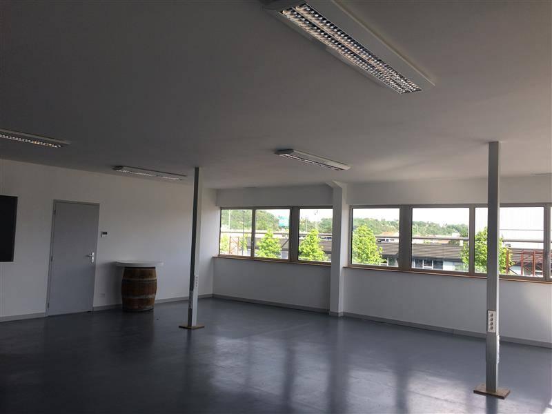 location bureaux bordeaux 33100 160m2. Black Bedroom Furniture Sets. Home Design Ideas