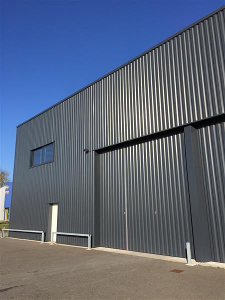 Zone Industrielle Auguste - Locaux d'activités et bureaux à louer - Photo 1