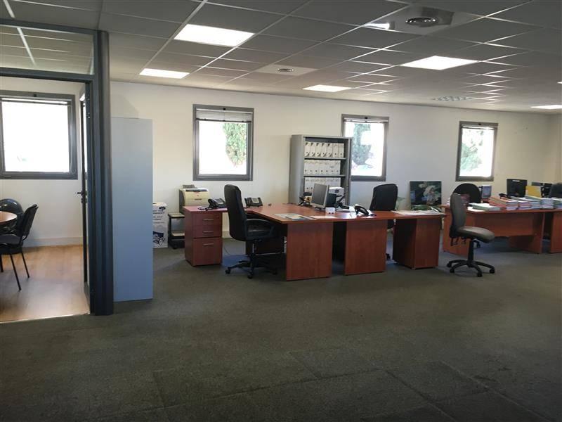 location bureaux marseille 13002 238m2. Black Bedroom Furniture Sets. Home Design Ideas