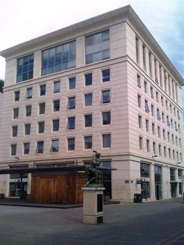 Location bureaux montpellier 34000 174m2 for Montpellier 34000