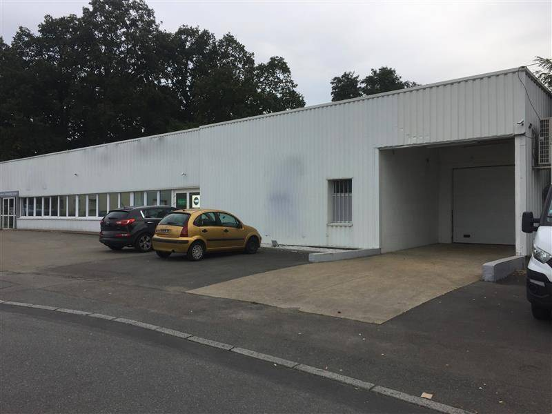Location entrep t nantes 44300 1 100m2 for Location garage nantes 44300