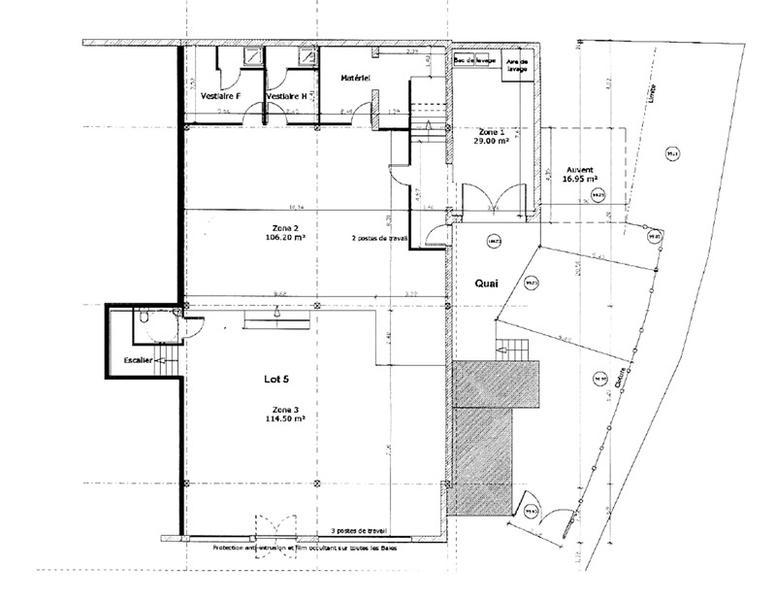 Bureaux vacants de 580 m² sur 2 niveaux à vendre à Bourges - Photo 1