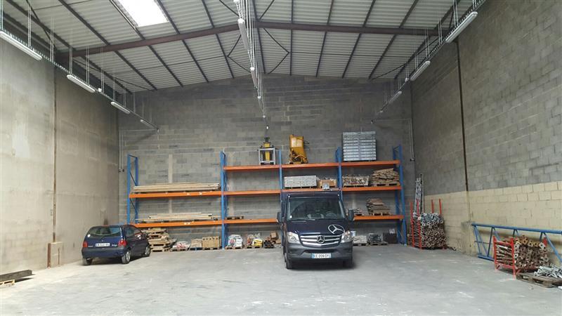 Local d'activités d'environ 525 m² à louer à Joué-les-Tours, disponible immédiatement - Photo 1
