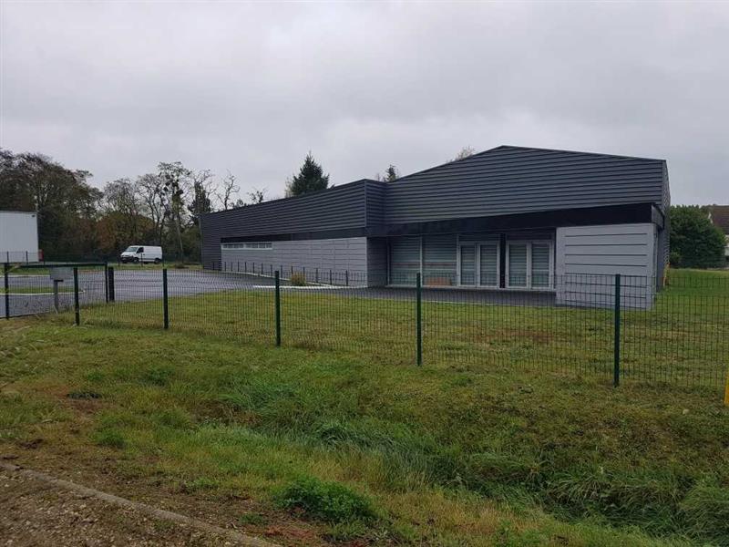 Local d'activités d'environ 550 m² à louer à proximité de Tours - Photo 1