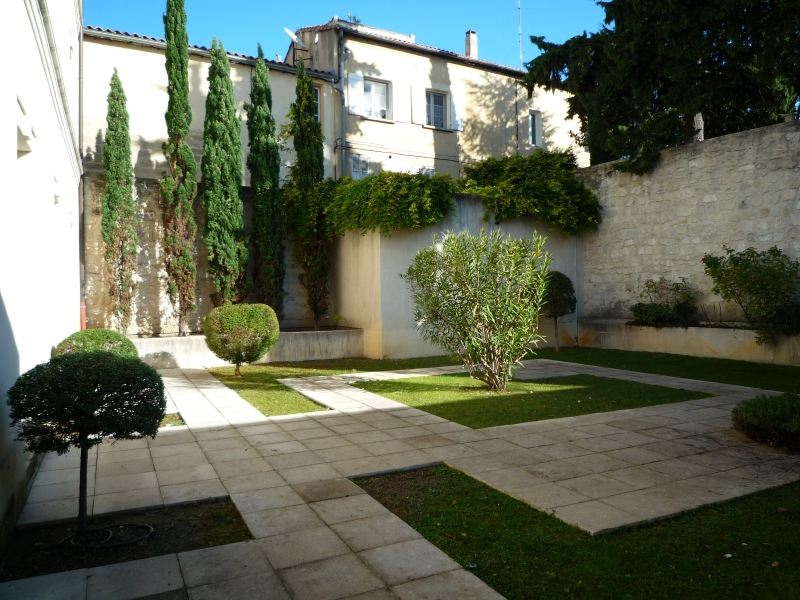 Bureaux à louer proche remparts Avignon