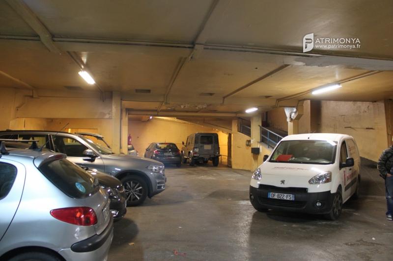 Location locaux d 39 activit s marseille 05 13005 540m2 for Garage marseille 13005