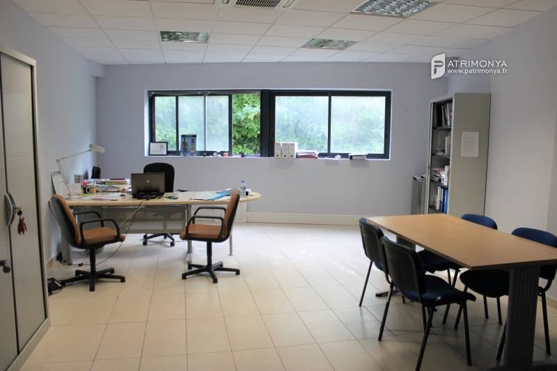 location bureaux marseille 12 13012 250m2 bureauxlocaux