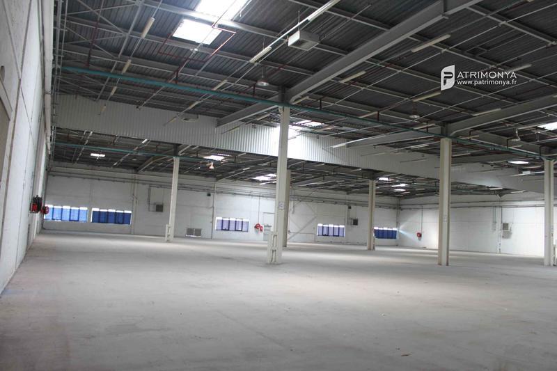 Location d'entrepôt - Photo 1